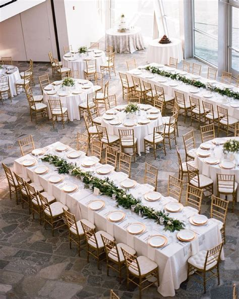 Mix of long feasting tables and round tables   Seating