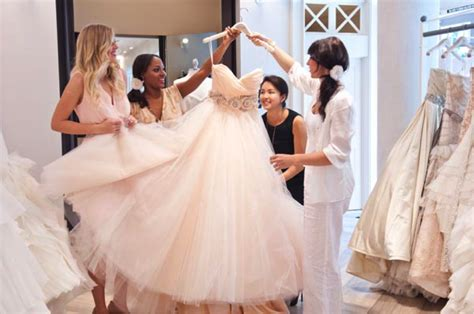 Tips On Dressing For Wedding by 5 Wedding Dress Shopping Tips For The Of Honor