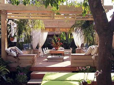 outdoor rooms by jamie durie outdoor spaces patio ideas decks gardens hgtv