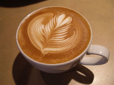 cafe latte latte art