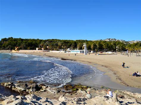poringueras en las playas las playas de moraira la playa de l ampolla