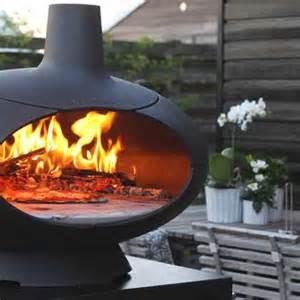 Outdoor Freestanding Fireplace - outdoor heating outdoor fireplaces alfresco fires radiant heaters