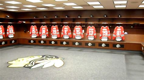 chicago blackhawks dressing room chicago blackhawks locker room tour