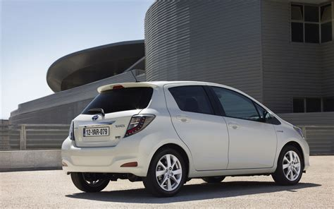 2013 Yaris Toyota Toyota Yaris Hybrid 2013 Widescreen Car Pictures