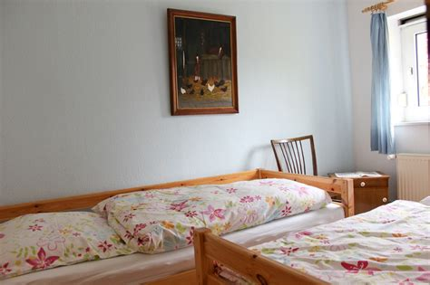 kleines haus mit 2 schlafzimmern ferienwohnung haus feldblick