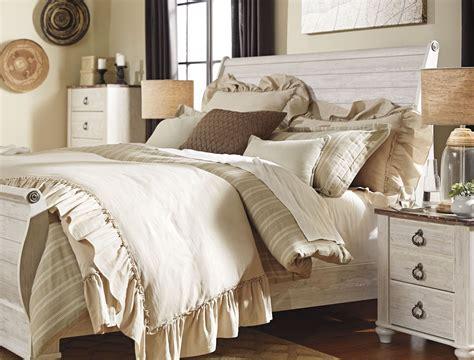 whitewash bedroom set willowton whitewash sleigh bedroom set b267 74 77 96
