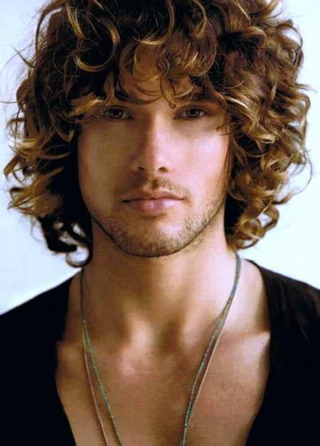 slightly curly man hair 15 mens curly hair styles mens hairstyles 2018