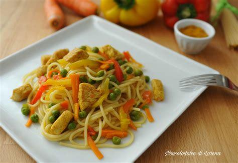 cucinare pollo al curry spaghetti con pollo al curry e verdure nonsolodolce di