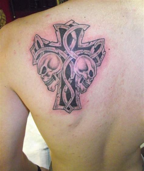 koleksi tato tato salib  punggung