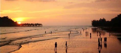 objek wisata pantai air manis sejarah malin kundang