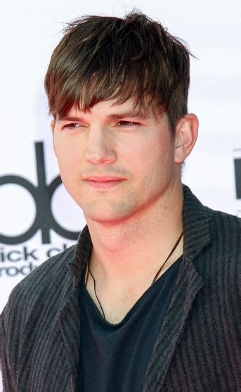 Hair and Beard Styles: Ashton Kutcher ? Trendy Short