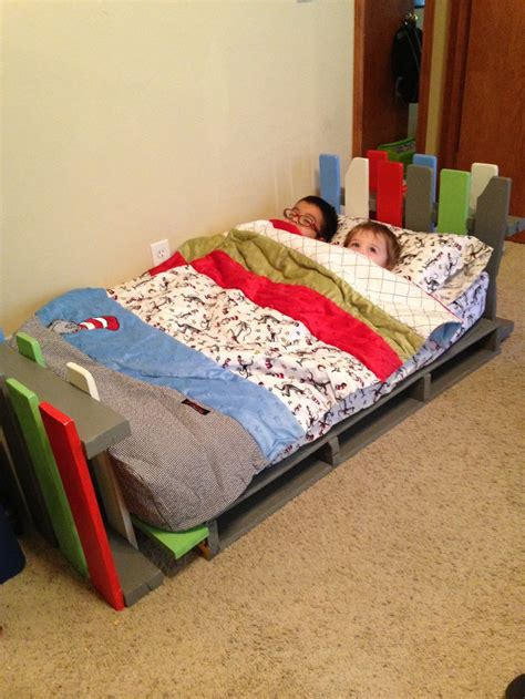 wagon bed idea 3 4 beds kids bedroom bedroom design 17 best images about toddler beds on pinterest queen