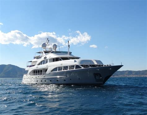 yacht quest quest r yacht charter price benetti luxury yacht charter