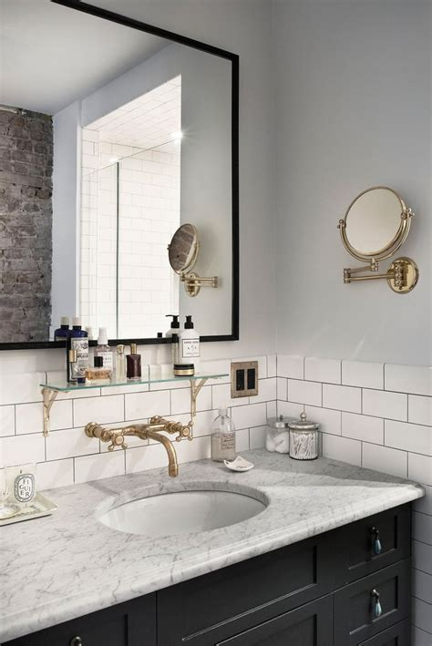 classic bathroom 1000 ideas about subway tile bathrooms on