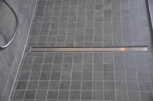 begehbare dusche fliesen begehbare dusche mit mosaik fliesen villeroy boch