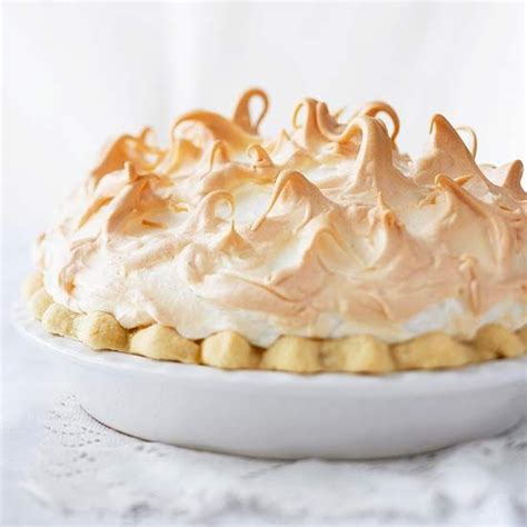 recipe for rhubarb pie with meringue topping