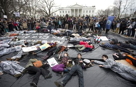 white house protest dozens of keystone pipeline protesters arrested at white