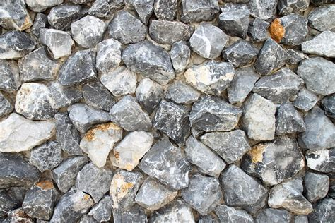 Gravel Suppliers Gravel And Grow 2 Clear Limestone Britain