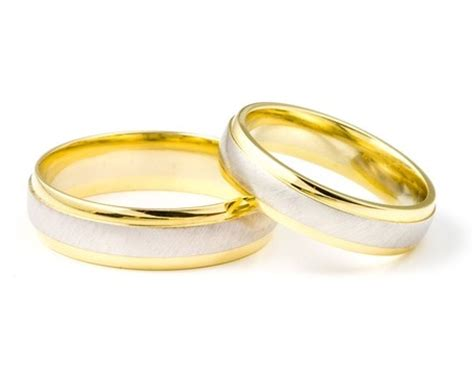 Best Wedding Rings by How To Choose The Best Wedding Ring Minty Me