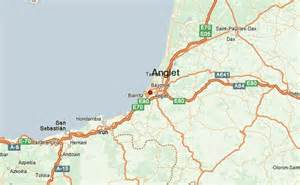 anglet location guide