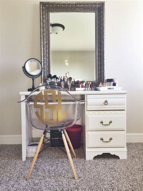 Make Vanity Table by 17 Best Ideas About Makeup Tables On