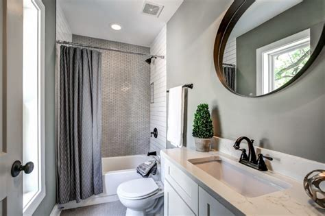 looking tubs for small bathrooms decohoms