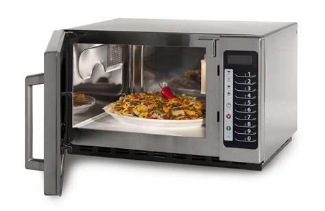 cucinare forno a microonde il microonde in cucina una grande invenzione