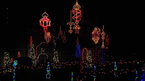 Houston Zoo Brightens Up The Holidays With Zoo Lights Zoo Lights Dates