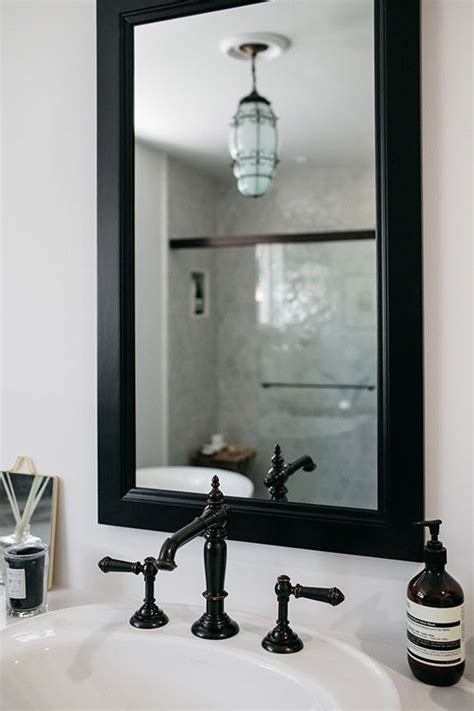 black framed bathroom mirrors best 25 black framed mirror ideas on pinterest country