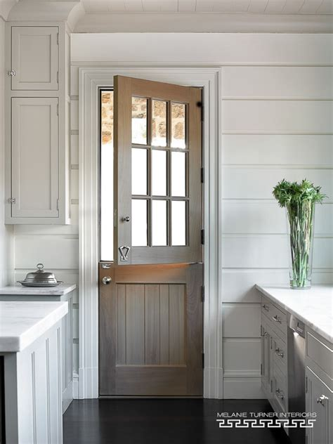 Southern Home Interiors 15 beautiful farmhouse front doors city farmhouse