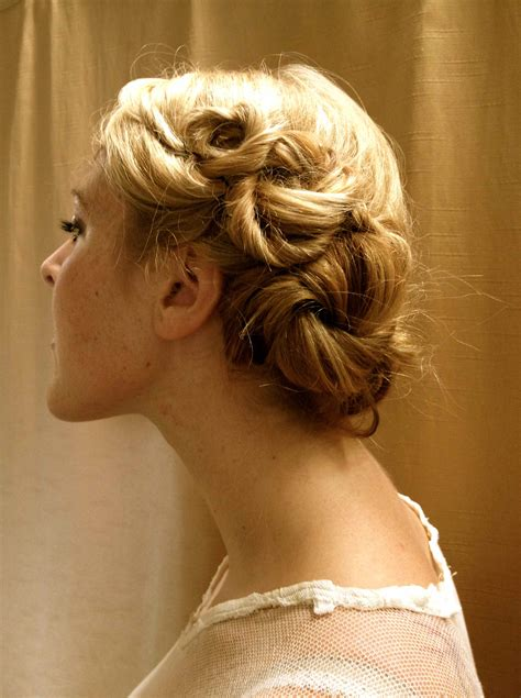 how to do easy 1920s hairstyles for mid hair with fringe how to hair girl alphons mucha the original boho and