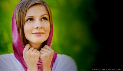 tutorial hijab alia queen 24 best images about pashmina scarves shaws on pinterest