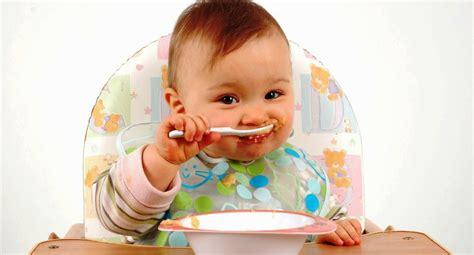 imagenes de niños jugando y comiendo mejor alimentacion infantil la mejor dieta para los ni 241 os