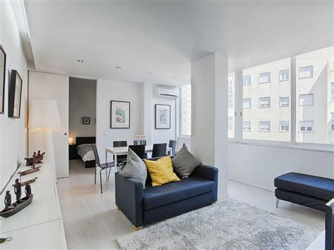 Moderne Holzz Une 2918 by Co De Ourique White Apartment C39 Ap Abritel