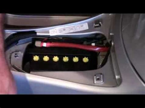 Motorradbatterie Vespa by Vespa Gts 250ie 12v Outlet Fitting Swf Youtube