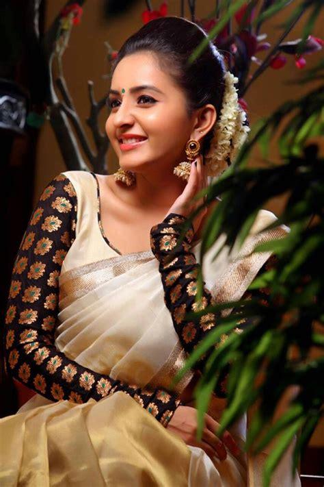 actress bhama films actress bhama latest stills photos onlookersmedia