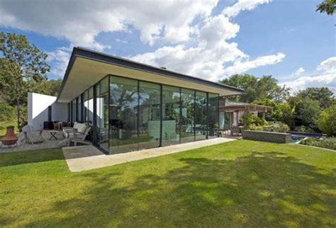 Isle Of Wight Property Records On The Market Seaglass Contemporary Modernist Property In Cowes Isle Of Wight Wowhaus