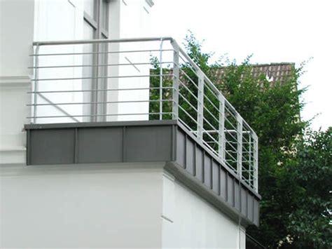 balkongeländer stahl balkongel 228 nder stahl feuerverzinkt preis per lfm