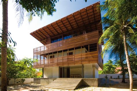 arsitektur rumah  iklim tropis  penggunaan cat