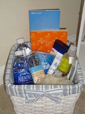 Small Welcome Home Gift Ideas 25 Best Ideas About Guest Basket On List