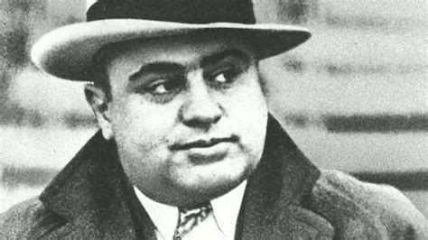al capone s wars a complete history of organized crime in chicago during prohibition books story of al capone on air fox news