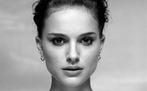 wallpaper black and white faces wallpaper natalie portman actress brunette face profile