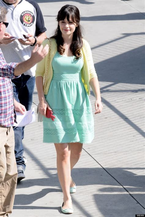 On set style zooey deschanel is in ice cream colours again for new girl