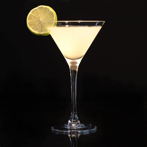 martini chagne cocktail lemon