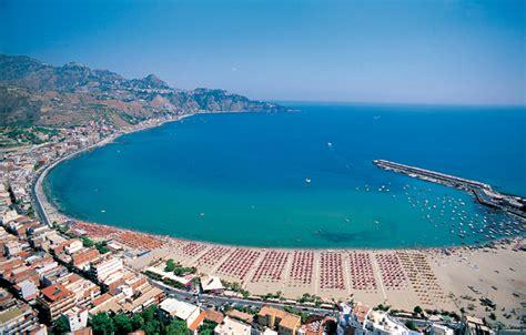 porto azzurro giardini naxos hotel porto azzurro ubytovanie giardini naxos sic 237 lia