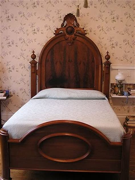 Antique Mattress Sizes by Antique Bed Dimensions Dimensions Info