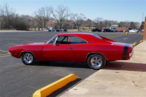 1968 dodge charger big block 440 with 4 speed r t emblems see video stock 6830440nsc for