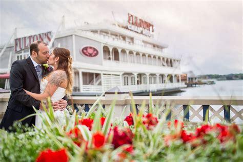 franks crab house fulton s crab house intimate wedding photographyorlando wedding photographers lotus