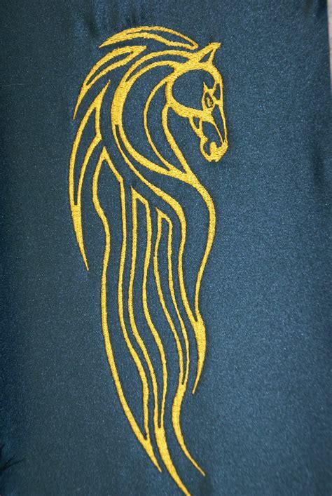 rohan symbol by the bluekitty on deviantart