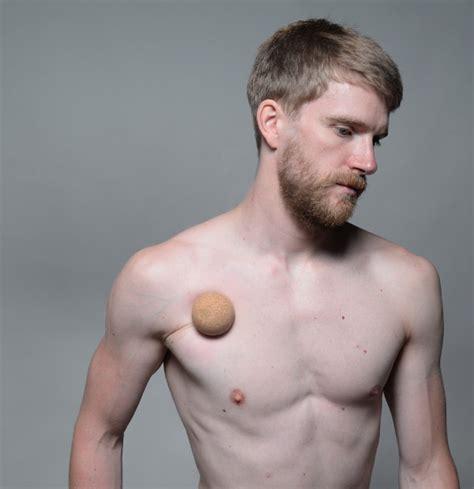schmerzen in der linken brust beim liegen schmerzen in der brust selbst behandeln
